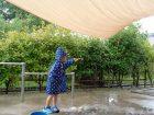 雨の日の園庭遊び